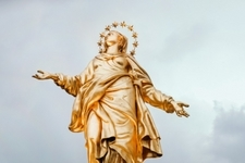 Following the Queen of Advent: How Mary Journeyed Through the First Advent